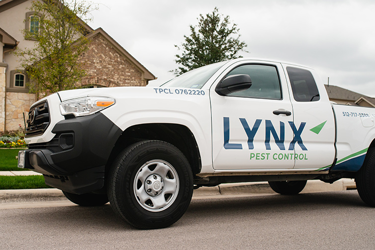 lynx pest control service truck